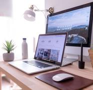 Jak poslouchat ve webovém prohlížeči?